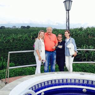 Día 6: Encuentro con la familia Palacio
